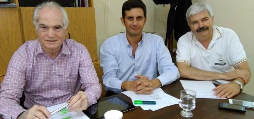 Daniel Oblan (Pte CaCESFe), Pablo Tabares (Agencia de Coop. Inv. y Comex de la Municipalidad de Santa Fe) y Federico Ecenarro (VicePte 2º CaCESFe) Organizando la Semana Comex 2016
